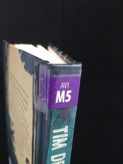 Uitleenklaar boek met AVI-sticker